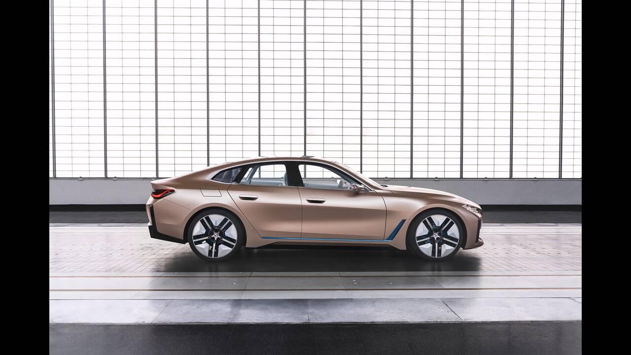 https://cdn.cnngreece.gr/media/news/2020/03/04/209921/photos/snapshot/BMW-CONCEPT-I4-2020-23.jpg