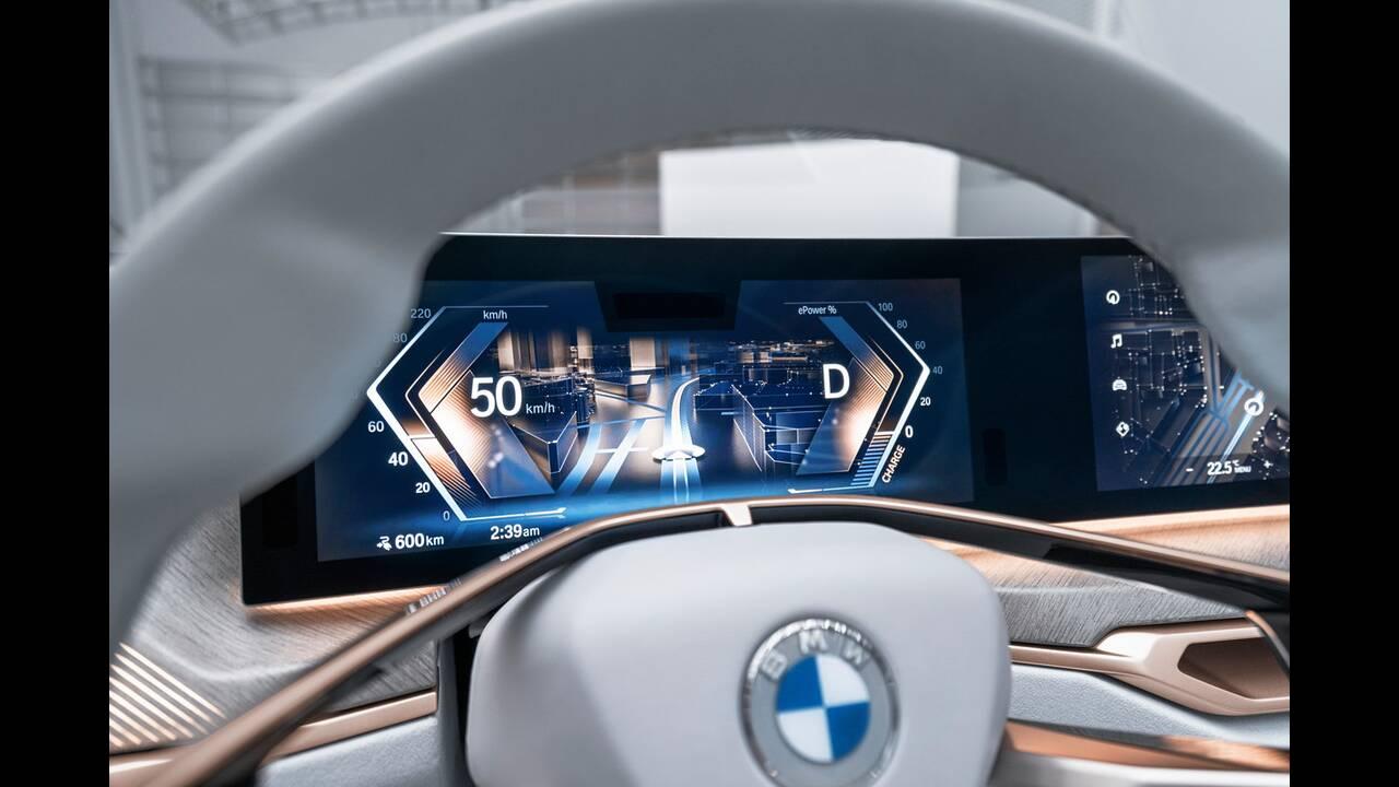 https://cdn.cnngreece.gr/media/news/2020/03/04/209921/photos/snapshot/BMW-CONCEPT-I4-2020-9.jpg