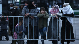 Το CNN Greece στη Μυτιλήνη: Ήρεμο βράδυ - Με αργούς ρυθμούς η επιβίβαση στο αρματαγωγό