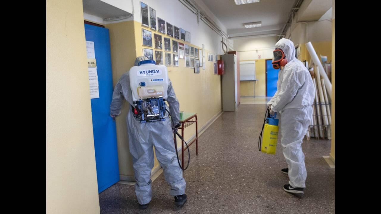 https://cdn.cnngreece.gr/media/news/2020/03/05/210044/photos/snapshot/apolymanseis-se-sxoleia-logw-koronoiou-9.jpg