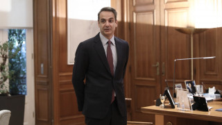 Κορωνοϊός στην Ελλάδα: Ο Κυριάκος Μητσοτάκης σε σύσκεψη για την εξάπλωση του ιού