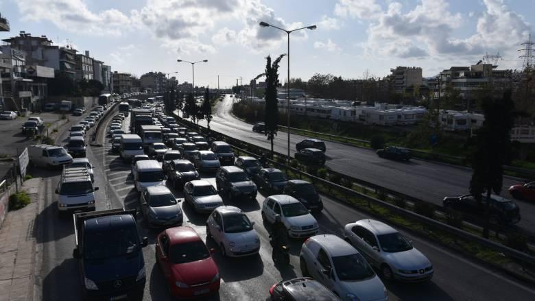Μποτιλιάρισμα στην Αθηνών-Λαμίας λόγω τροχαίου