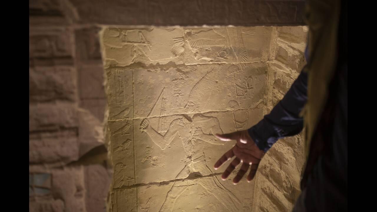 https://cdn.cnngreece.gr/media/news/2020/03/05/210158/photos/snapshot/Pyramid-of-Djoser-1.jpg