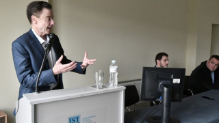 Rick Pitino: Μετατρέποντας την εκπαίδευση σε εμπειρία ζωής στο πρώτο ΜΒΑ in Sports Management
