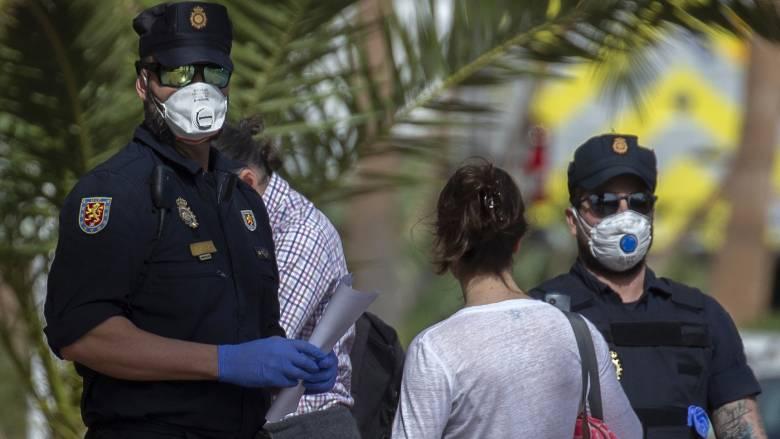 Κορωνοϊός: Αλματώδης αύξηση κρουσμάτων και 5 νέοι νεκροί στην Ισπανία