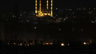 Έβρος: Νέα ένταση, φωτιές και χημικά στα σύνορα - Βίντεο-ντοκουμέντο