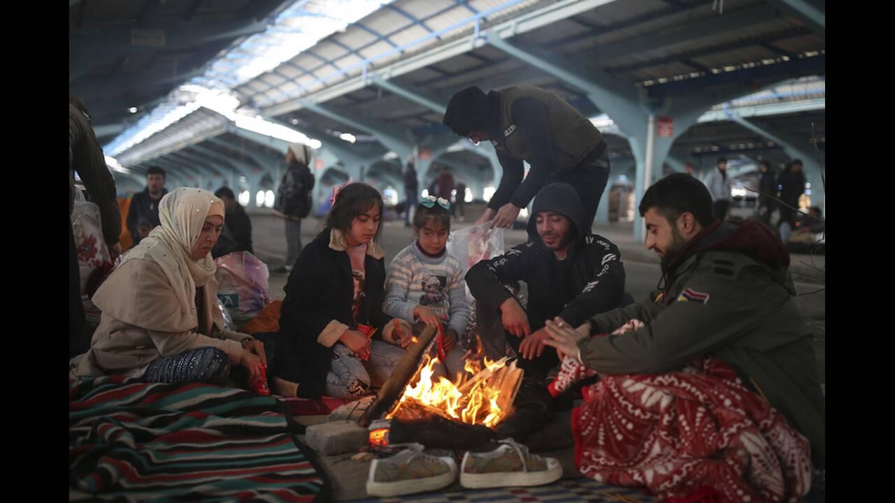 https://cdn.cnngreece.gr/media/news/2020/03/06/210298/photos/snapshot/refugees-edirne-3.jpg