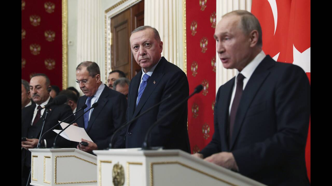 https://cdn.cnngreece.gr/media/news/2020/03/06/210301/photos/snapshot/putin-erdogan-14.jpg