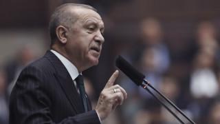 Προσφυγικό: Τα «παιχνίδια» του Ερντογάν, το μήνυμα Μητσοτάκη και οι επαφές στις Βρυξέλλες