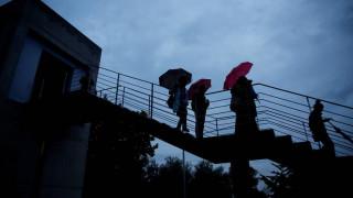Καιρός: Πού αναμένονται βροχές και καταιγίδες σήμερα - Πώς θα κυμανθεί η θερμοκρασία