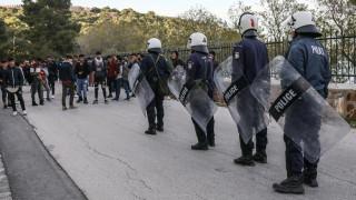 Μυτιλήνη: Δεκάδες άτομα κατηγορούνται για παρεμπόδιση μεταφοράς προσφύγων και μεταναστών