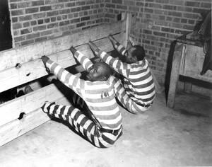 1937 Φυλακισμένοι στη Τζόρτζια των ΗΠΑ, τιμωρούνται για κάποιο παράπτωμα με αυτόν τον τρόπο...