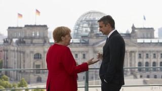 Σε Βερολίνο και Βιέννη ο Μητσοτάκης - Συναντάται με Μέρκελ και Κουρτς