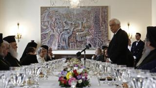 Παυλόπουλος: Αντιστεκόμαστε στο στυγνό εμπόριο του ανθρώπινου πόνου που κάνει η Τουρκία