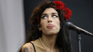 Amy Winehouse: «Δεν θέλω να πεθάνω» - Όσα είπε στη γιατρό της λίγο πριν το τέλος