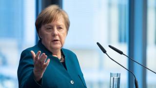 Μέρκελ: Η Ελλάδα έχει την αλληλεγγύη και την πλήρη υποστήριξή μας