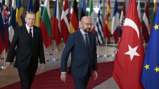 Έφυγε χωρίς δηλώσεις από τη συνάντηση με την  ΕΕ ο Ερντογάν