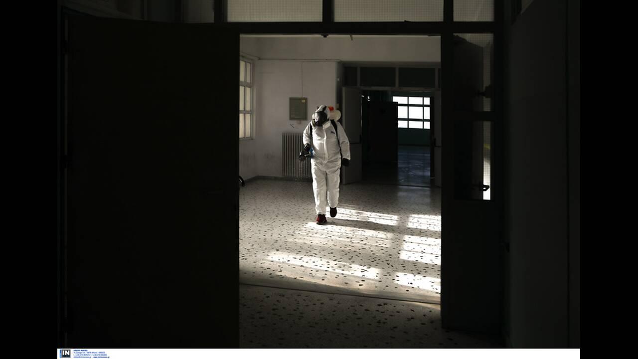 https://cdn.cnngreece.gr/media/news/2020/03/10/210686/photos/snapshot/apolymanseis-se-sxoleia-logw-koronoiou-6.jpg
