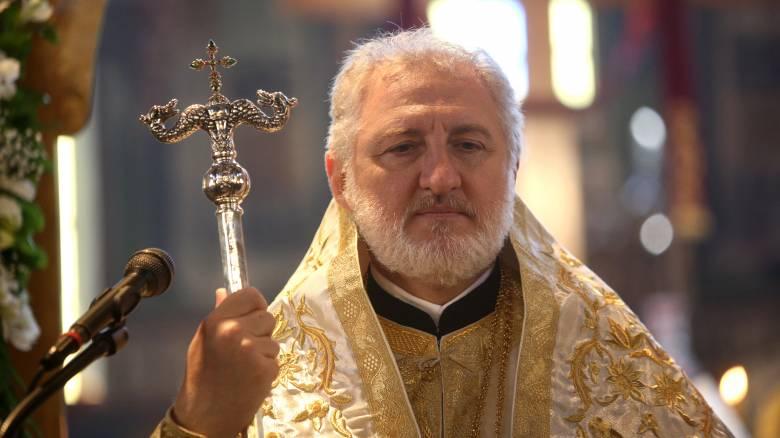 Κορωνοϊός: Οδηγίες από τον Αμερικής Ελπιδοφόρο για την προστασία πιστών και κληρικών