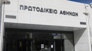 Δίκη Τοπαλούδη: «Είναι αθώος, δεν έγινε βιασμός» είπαν η γιαγιά και ο πατέρας του Ροδίτη