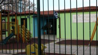 Κορωνοϊός: «Μάχη» για τον περιορισμό εξάπλωσης του ιού – Γιατί αποφασίστηκε το κλείσιμο των σχολείων