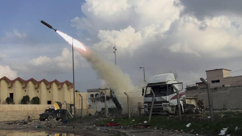 Ιράκ: Δεκαπέντε ρουκέτες εκτοξεύτηκαν σε στρατιωτική βάση Αμερικανών