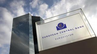 Κορωνοϊός: Ενέσεις ρευστότητας και κεφαλαιακές διευκολύνσεις  επιστρατεύει η ΕΚΤ