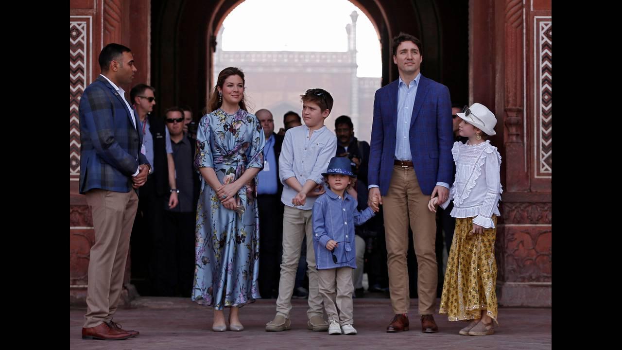 https://cdn.cnngreece.gr/media/news/2020/03/12/210991/photos/snapshot/2018-02-18T060152Z_1652332715_RC11C3697820_RTRMADP_3_INDIA-CANADA.JPG