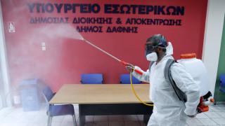 Κορωνοϊός: Μόνο εικασίες για τη διάρκεια της πανδημίας, λέει ο καθηγ. Μπούρος στο CNN Greece