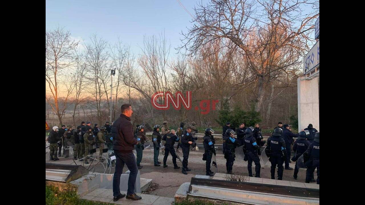 https://cdn.cnngreece.gr/media/news/2020/03/13/211068/photos/snapshot/frontex-2.jpg