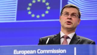 Ντομπρόβσκις: Στα κράτη το μεγάλο βάρος για την ανάσχεση του κορωνοϊού