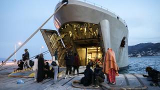 Μυτιλήνη: Αναχώρησε σήμερα το αρματαγωγό «Ρόδος» με 450 πρόσφυγες και μετανάστες