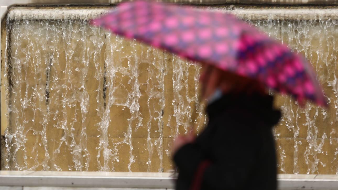 Καιρός: Ραγδαία επιδείνωση την Κυριακή με βροχές, καταιγίδες και χιονοπτώσεις