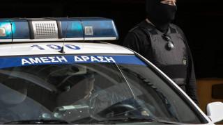 Επιχείρηση της ΕΛ.ΑΣ. στην υπό κατάληψη αίθουσα Γκίνη του Πολυτεχνείου
