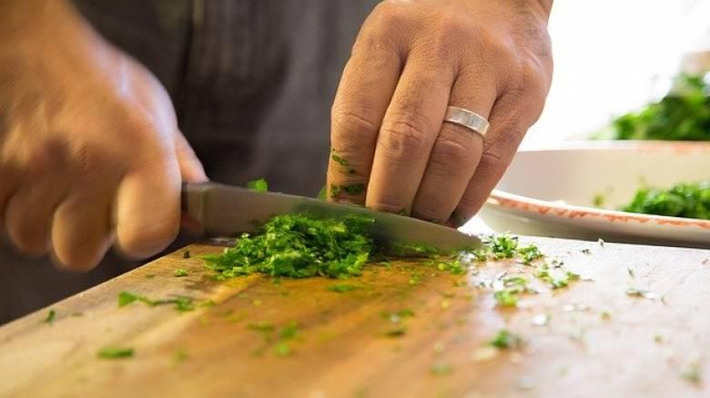 Κορωνοϊός: Τι να προσέχετε στα τρόφιμα σύμφωνα με τον ΕΦΕΤ