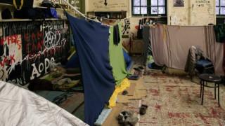 Από κατάληψη στα Εξάρχεια σε αίθουσα του Μετσόβιου Πολυτεχνείου οι 106 πρόσφυγες