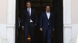 Επαφές Μητσοτάκη με τους πολιτικούς αρχηγούς για την αντιμετώπιση του κορωνοϊού