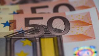 Κορωνοϊός: «Παγώνουν» οι δόσεις δανείων και οι οφειλές προς εφορία και ΕΦΚΑ
