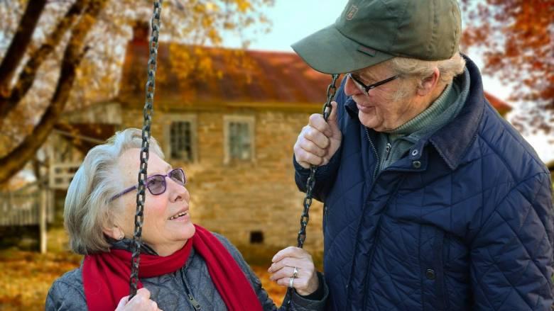 Συνεχής η γήρανση του πληθυσμού στην Ελλάδα τις επόμενες δεκαετίες