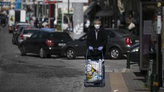 Κορωνοϊός: «Κατάσταση πολέμου» με κλειστά καταστήματα και σύνορα