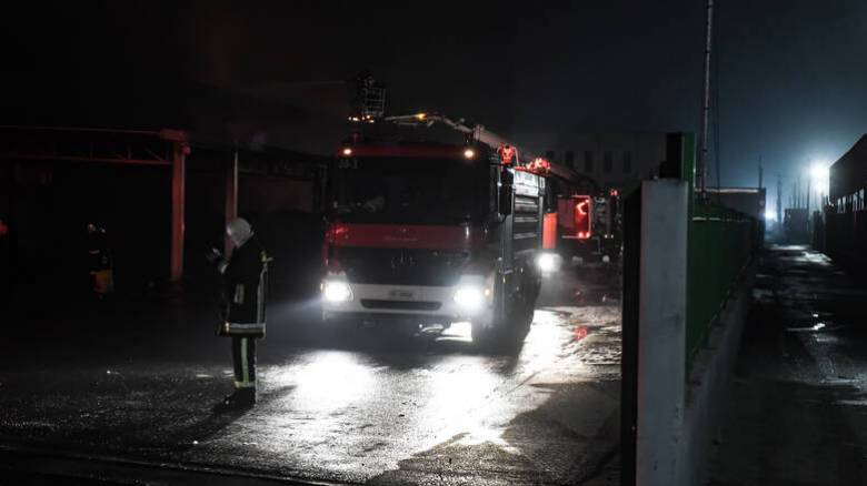Καλαμαριά: Μεγάλη φωτιά σε κτήριο του πρώην στρατοπέδου Κόδρα
