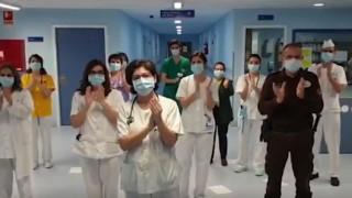 Κορωνοϊός: Οι γιατροί της Μαδρίτης ανταποδίδουν το χειροκρότημα στους Ισπανούς