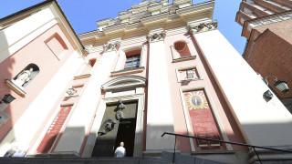 Κορωνοϊός - Πολωνία: «Door to door» οι ιερείς  - Προσεύχονται με τους πιστούς