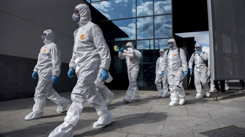 Κορωνοϊός: Η Κομισιόν δημιουργεί στρατηγικά αποθέματα ιατρικού εξοπλισμού