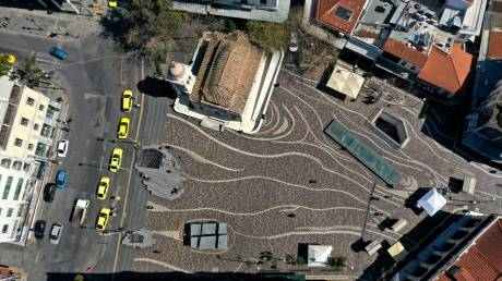 Κορωνοϊός: Η Αθήνα έγινε μια ερημική πόλη - Πρωτόγνωρες φωτογραφίες του κέντρου από ψηλά