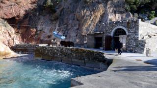 Κορωνοϊός στην Ελλάδα: Αναστέλλεται έως τις 30 Μαρτίου η είσοδος στο Άγιο Όρος