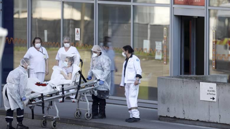 Κορωνοϊός: 372 θάνατοι στην Γαλλία - Αυξήθηκαν κατά 41%
