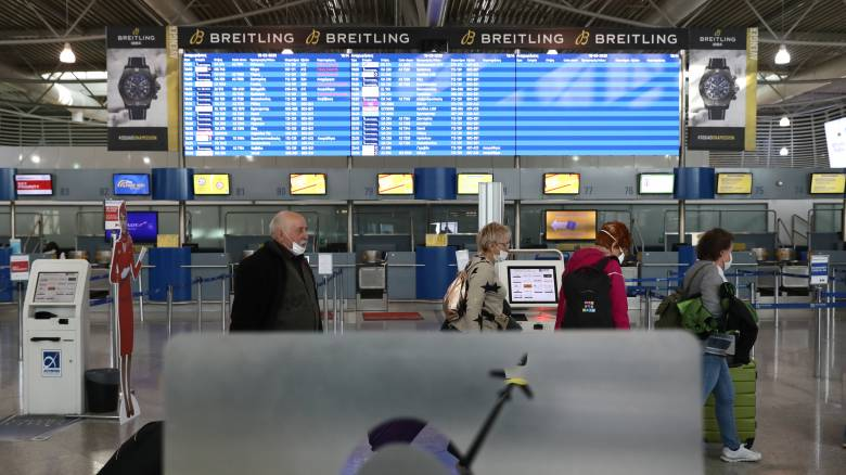 Ειδικές πτήσεις για την επιστροφή Ελλήνων από Ισπανία - Πολωνία