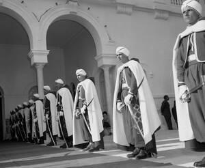 1957, Τύνιδα. Η Τυνησία γίνεται ανεξάρτητο κράτος.