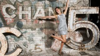 Κορωνοϊός: Ο οίκος Chanel αναστέλλει την παραγωγή και κλείνει εργοστάσια